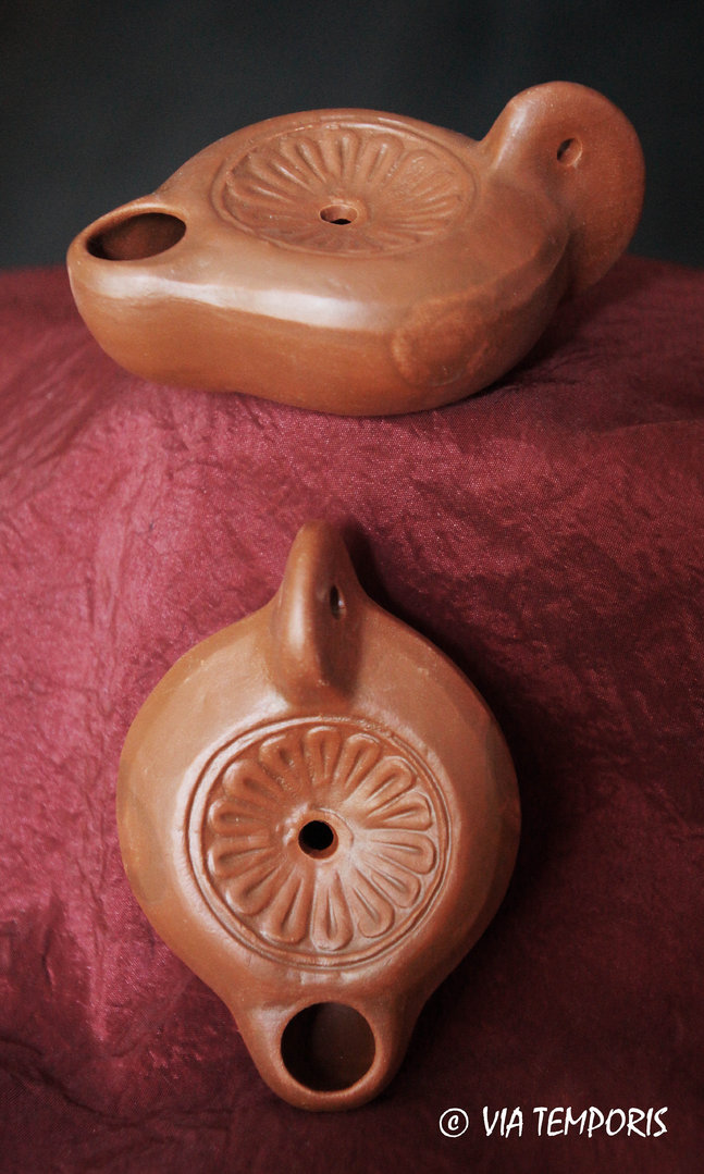 GALLO-ROMAN OIL LAMP WITH ROSETTE