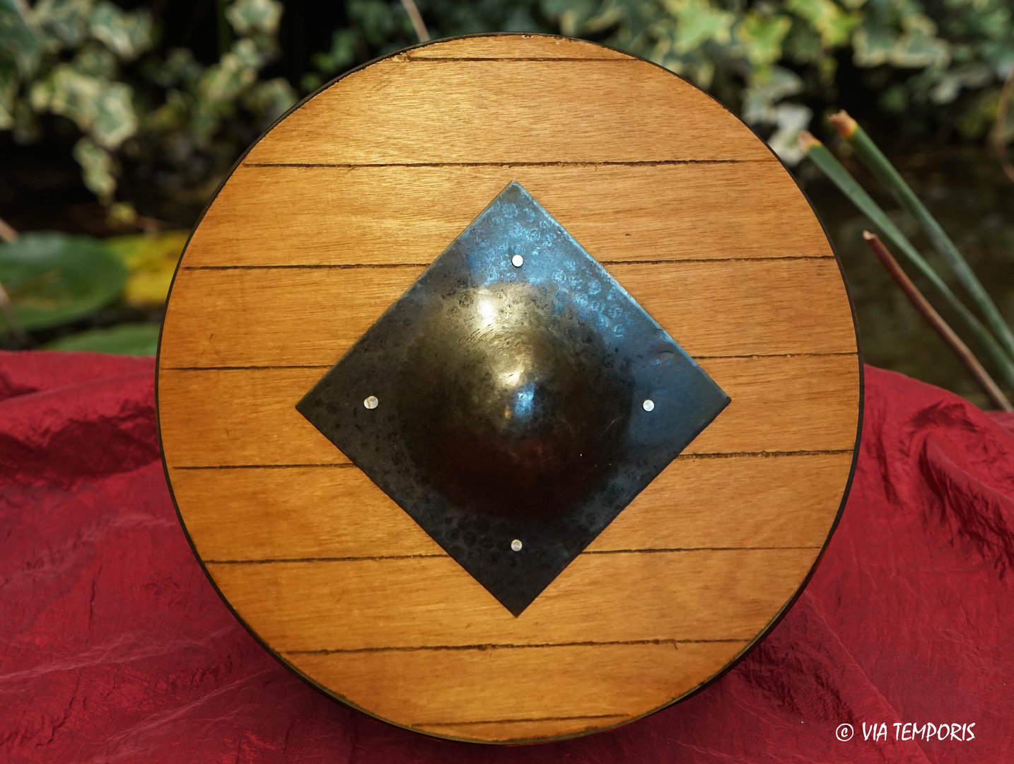 ROUND HOPLOMAQUE GLADIATOR SHIELD
