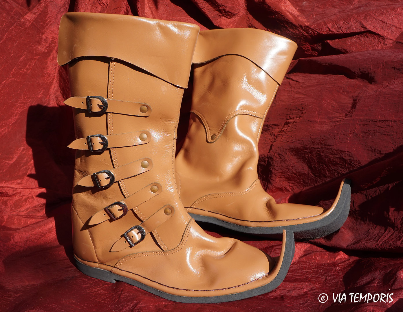 HIGH MEDIEVAL LEATHER BOOTS