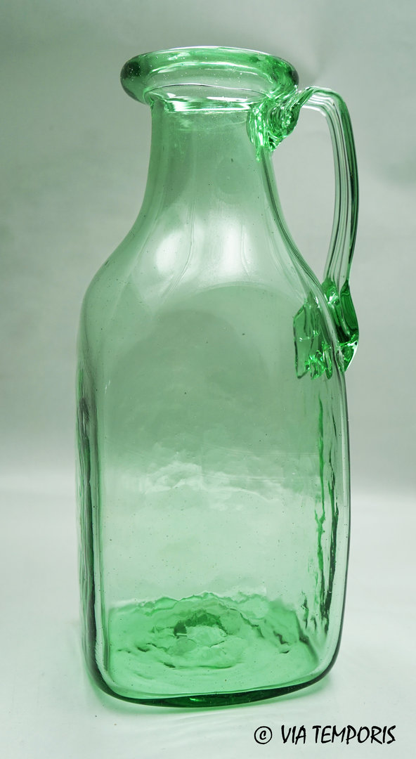 GALLO-ROMAN GLASSWARE - WIDE SQUARED BOTTLE WITH ONE HANDLE (green)