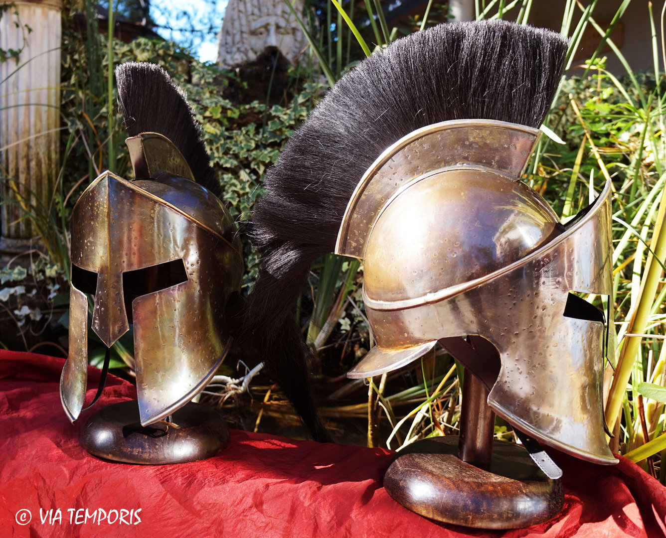 SPARTAN HEMLMET MOVIE 300 WITH BLACK HORSEHAIR CREST