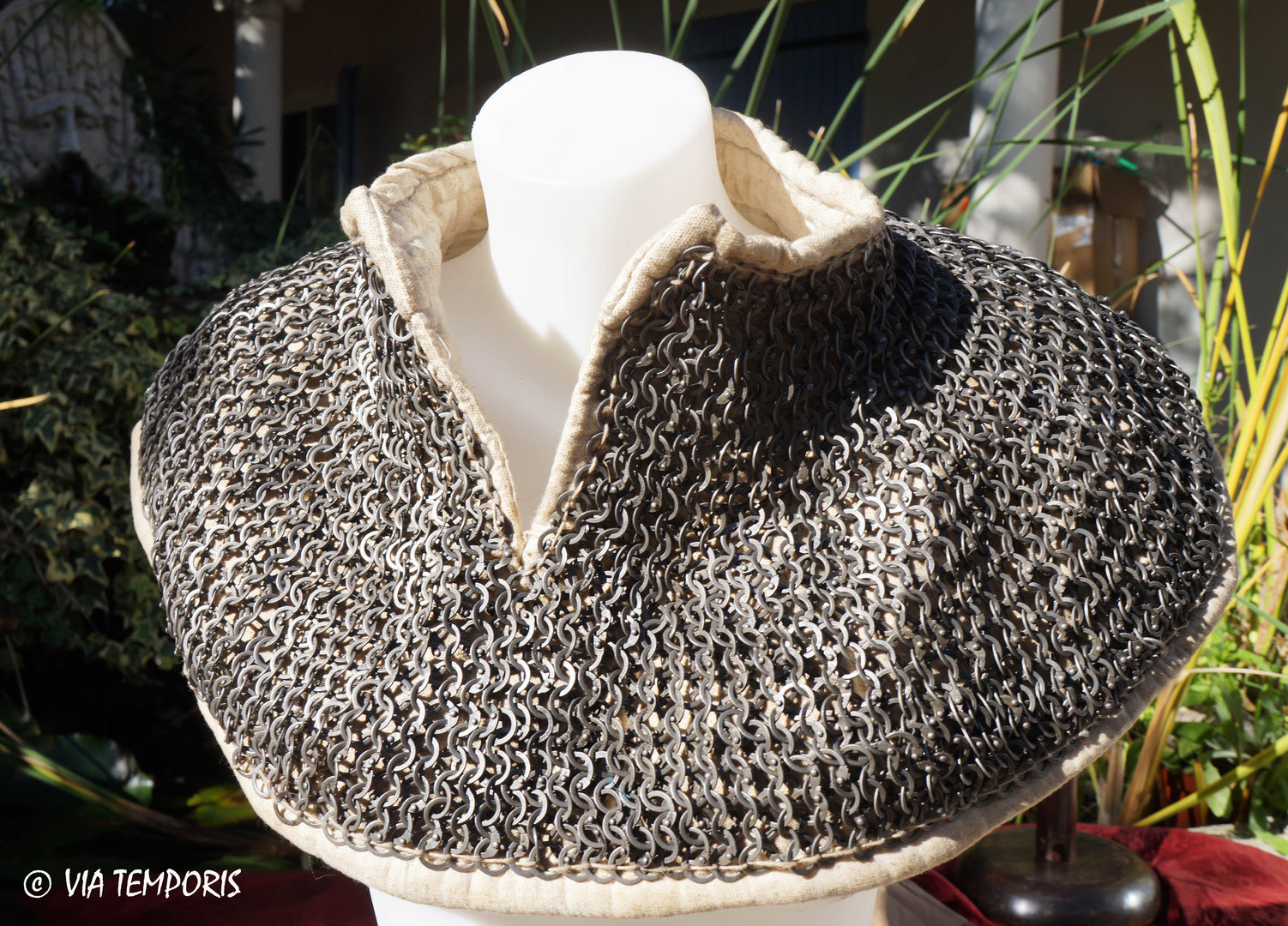 PADDED CHAINMAIL COLLAR WITH RIVETED MESH 8 MM