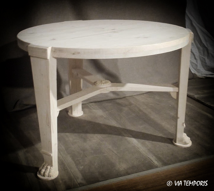 TABLE GUERIDON PIEDS GRIFFE