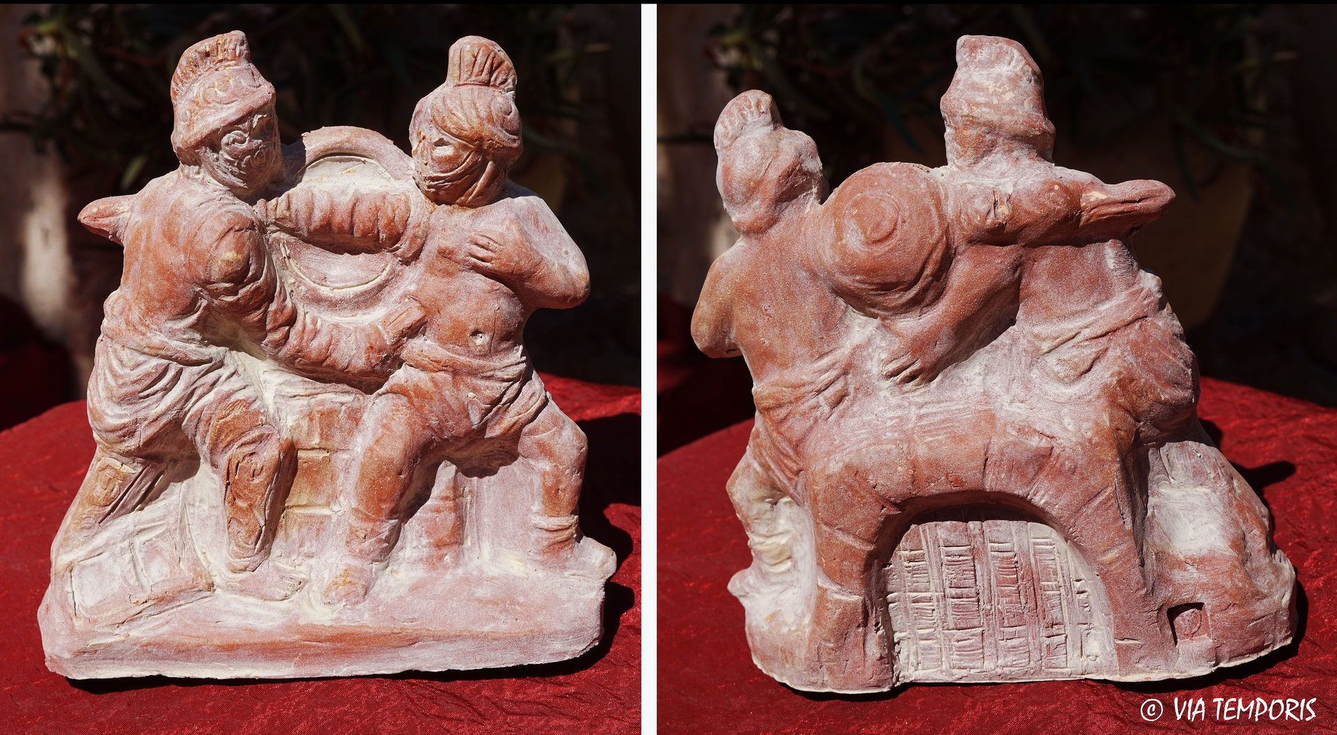 GALLO-ROMAN CERAMIC - GLADIATOR'S FIGHT STATUETTE