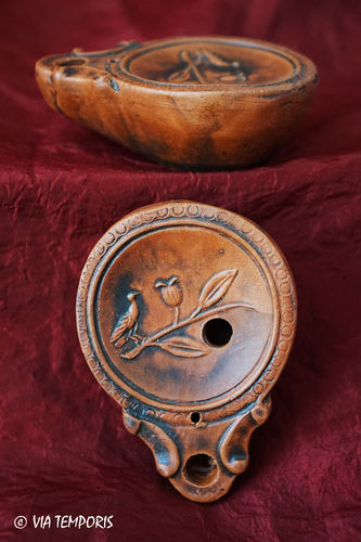 GALLO-ROMAN OIL LAMP WITH BIRD ON BRANCH