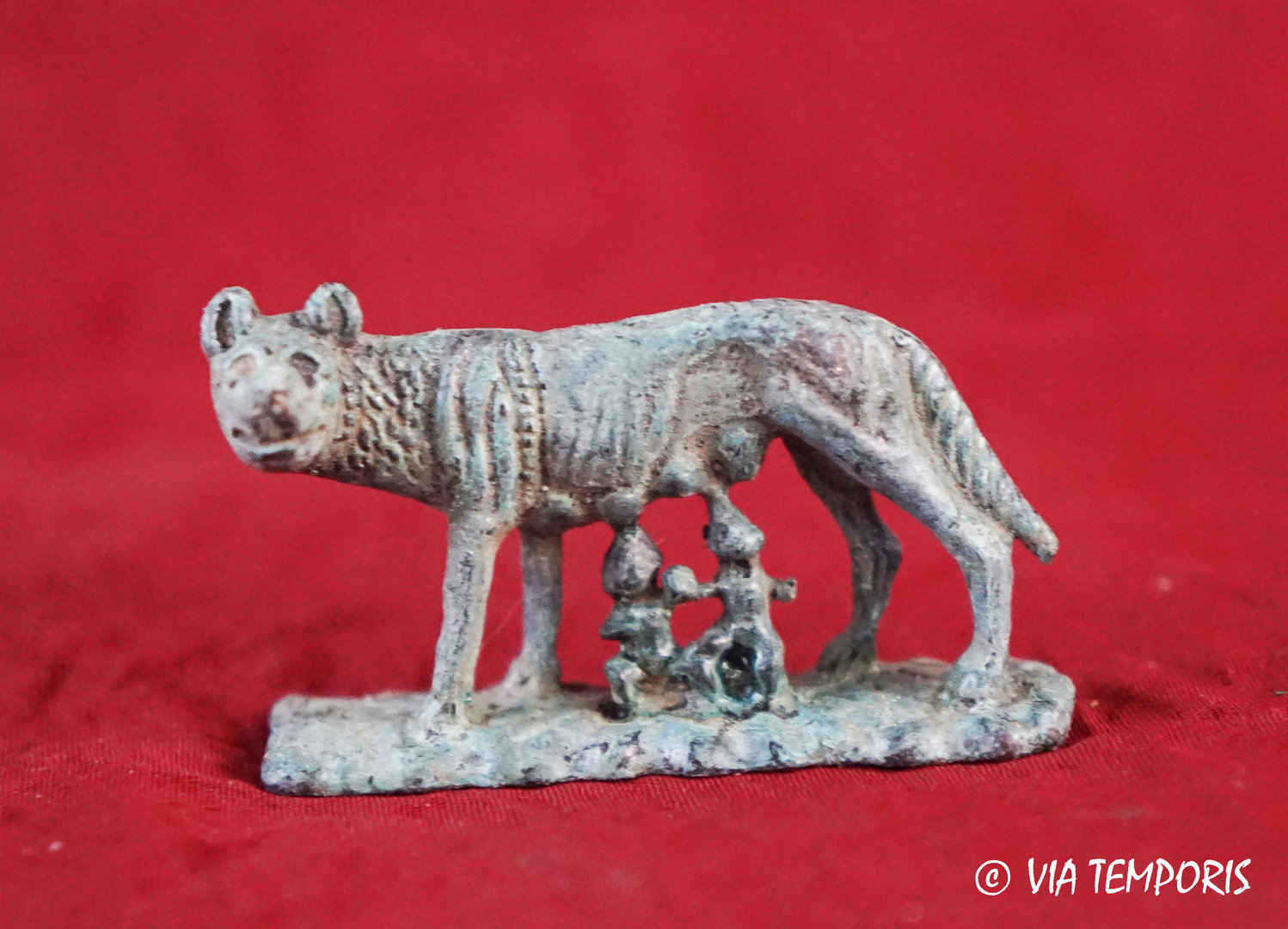 STATUETTE OF THE CAPITOLE WOLF WITH REMUS AND ROMULUS