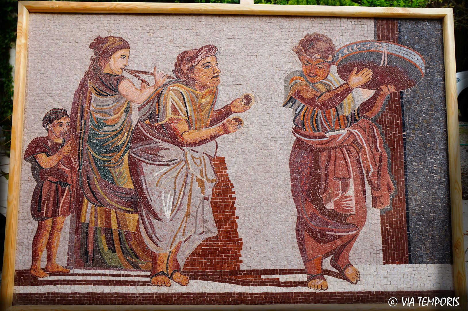 ROMAN MOSAIC - MOSAIC WITH MUSICIANS OF POMPEI