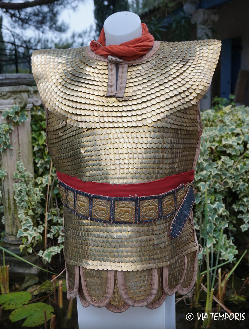 ROMAN ARMOUR - LORICA SQUAMATA WITH LITTLE BRASS SCALES