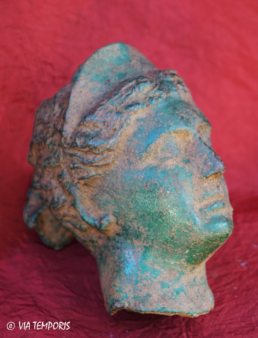 BRONZE HEAD OF VENUS