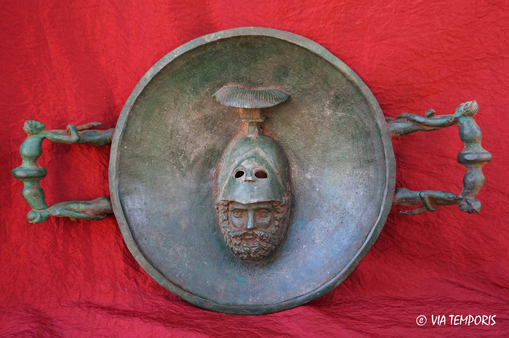 ROMAN BRONZE - BIG DISH OF WORSHIP WITH  HEAD OF MARS