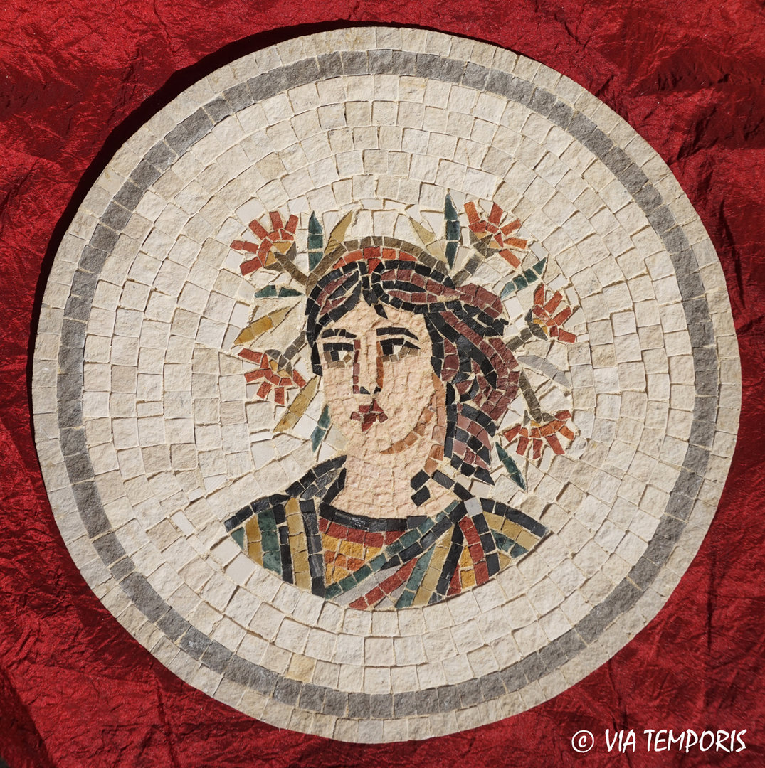 ROMAN MOSAIC - MEDALLION WITH SEASON BUST - SUMMER