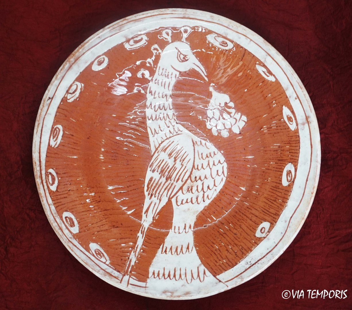 MEDIEVAL POTTERY - MAJOLICA PLATE WITH BIRD DECOR