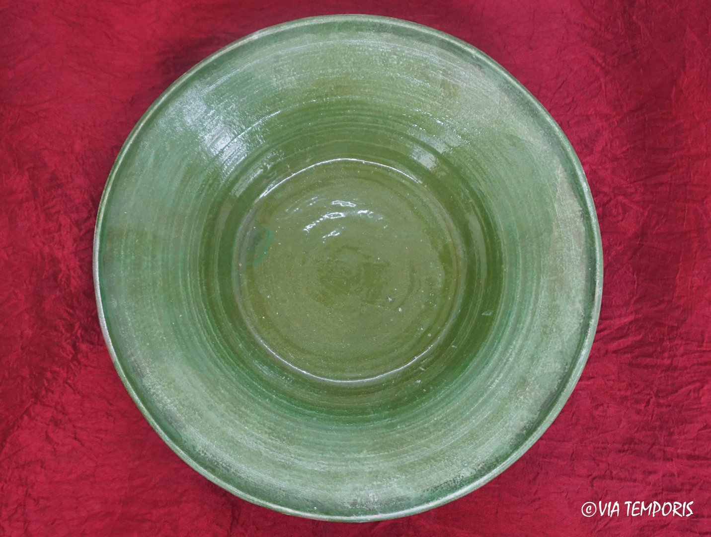 MEDIEVAL POTTERY - MAJOLICA GREEN PLATE